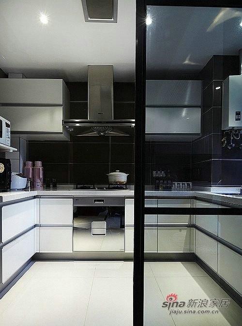 简约 二居 厨房图片来自用户2559456651在5.6万装饰100平时尚黑白两居11的分享