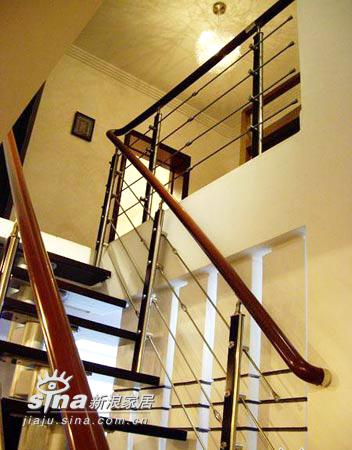 简约 复式 楼梯图片来自用户2737950087在花两年收入装修独具品味小复式13的分享