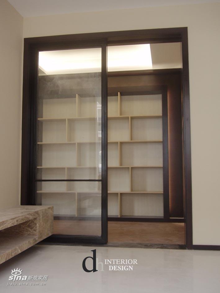简约 别墅 书房图片来自用户2739378857在上海山水景苑--单身小别墅37的分享