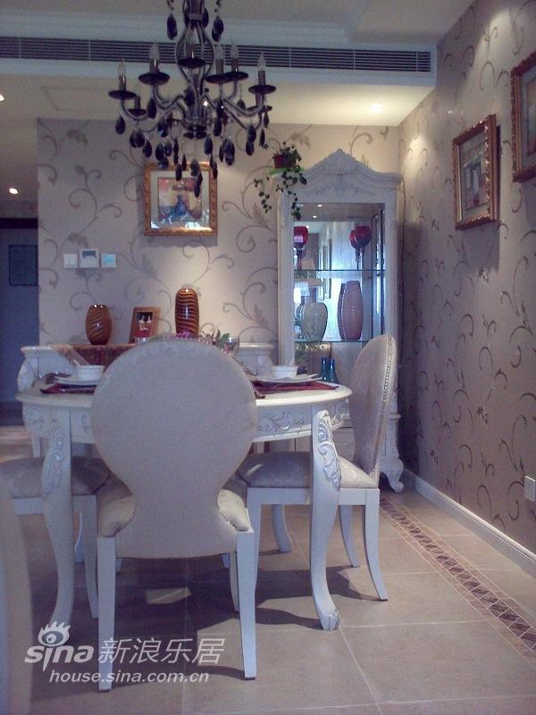 欧式 三居 餐厅图片来自用户2746953981在实景:浅粉的童话空间设计71的分享