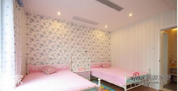 欧式 三居 卧室图片来自用户2772873991在三居室欧式彰显华贵70的分享