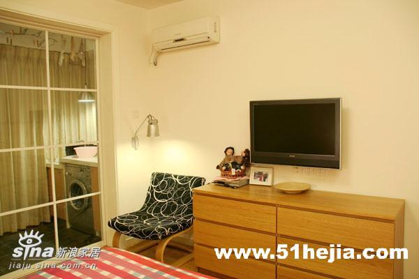 简约 二居 卧室 宜家 80后 旧房改造图片来自用户2737735823在暖色调营造温馨舒适83的分享