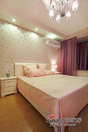 简约 二居 卧室图片来自用户2559456651在6.8万打造98平两室一厅一温馨家76的分享