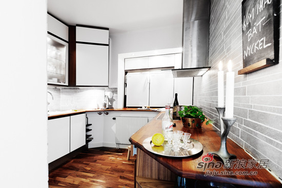 简约 一居 厨房图片来自用户2737786973在34平超小户一居 白领MM挑战空间利用极限16的分享