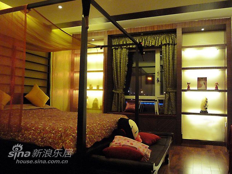 中式 三居 卧室图片来自用户2737751153在朴素与张扬并存的新中式56的分享