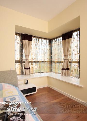 简约 三居 卧室图片来自用户2737759857在黑与白的完美碰撞91的分享
