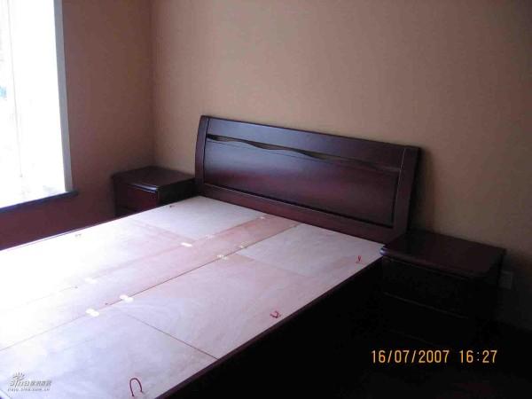 简约 三居 卧室图片来自用户2737759857在我的小筑26的分享