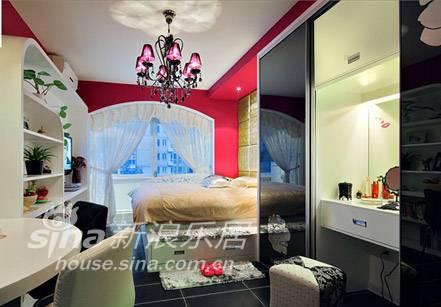 简约 一居 客厅图片来自用户2556216825在美颂巴黎-35平明艳小窝 绽放流光溢彩75的分享