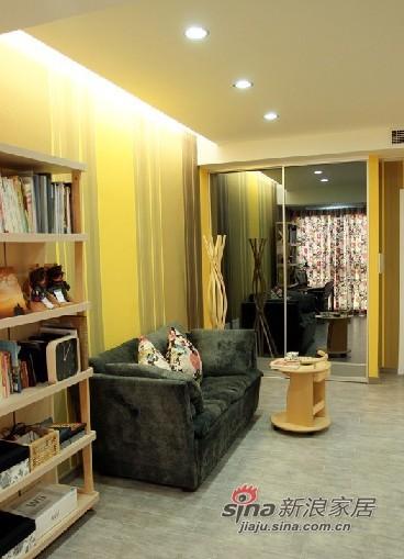 简约 一居 客厅图片来自用户2745807237在4万完美造就59平简约温馨小家89的分享
