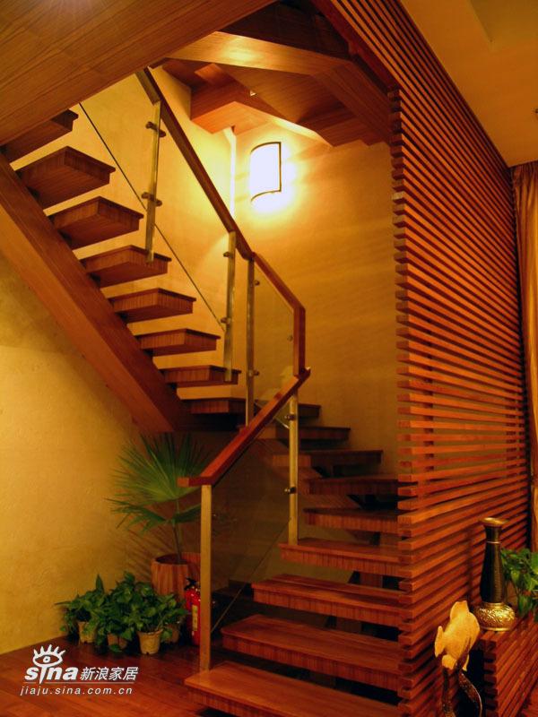 欧式 三居 楼梯图片来自用户2757317061在优雅SIZE54的分享