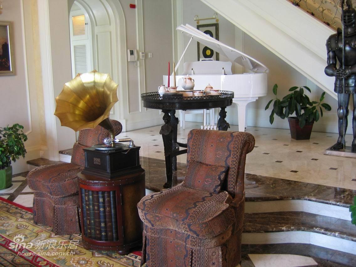 欧式 别墅 客厅图片来自用户2772873991在古典欧美别墅59的分享