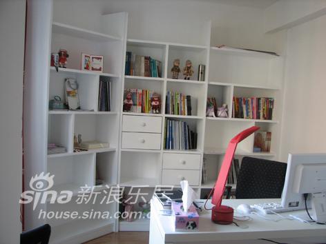 简约 二居 书房图片来自用户2737786973在喜庆的小婚房74的分享