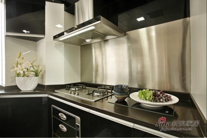 简约 三居 厨房图片来自用户2737950087在9万巧装135平品质空间3居28的分享