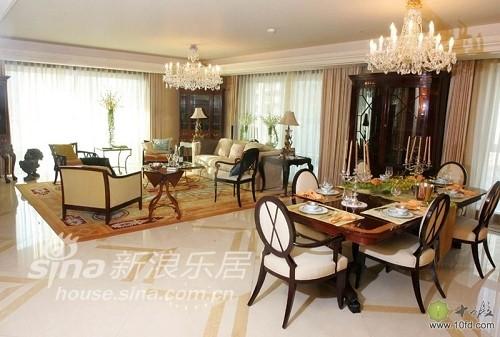 古典美式客厅与餐厅,混搭出彩