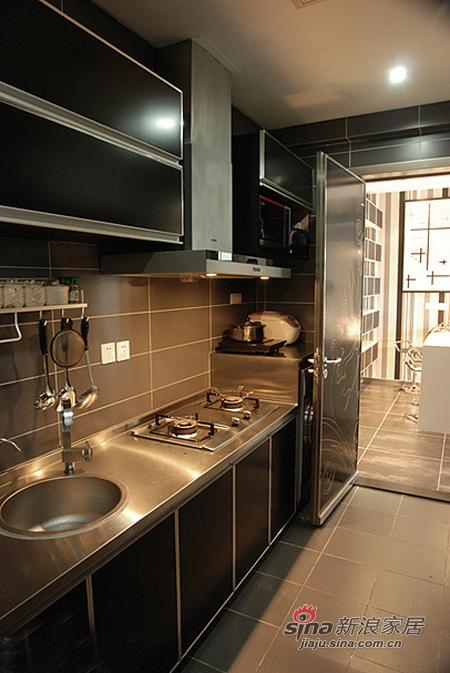 简约 二居 厨房图片来自用户2738820801在小两口5万打造70平时尚三居73的分享