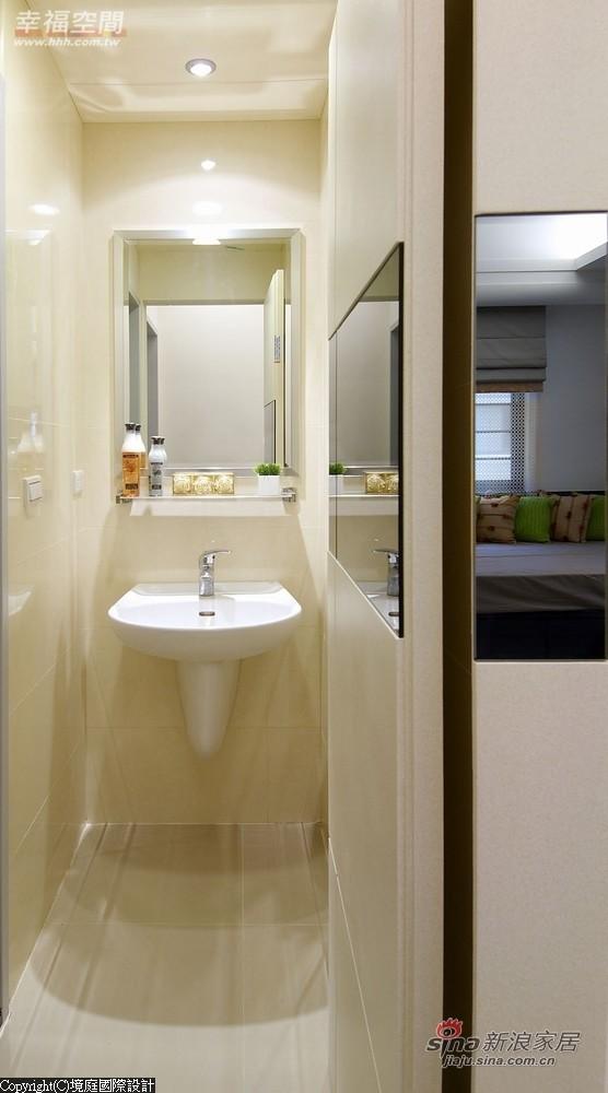 洗手台面以俐落方式规划