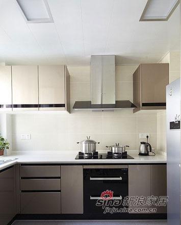 简约 三居 厨房图片来自佰辰生活装饰在100平现代简约温馨三居80的分享