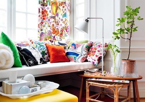 白色主题装修家居中美丽的色彩点缀