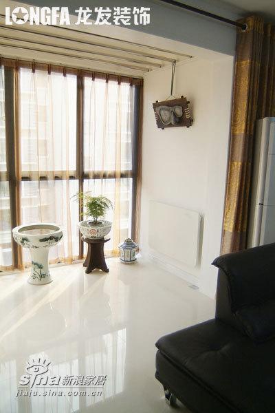 简约 二居 阳台图片来自用户2739081033在各空间皇家设计家园78的分享