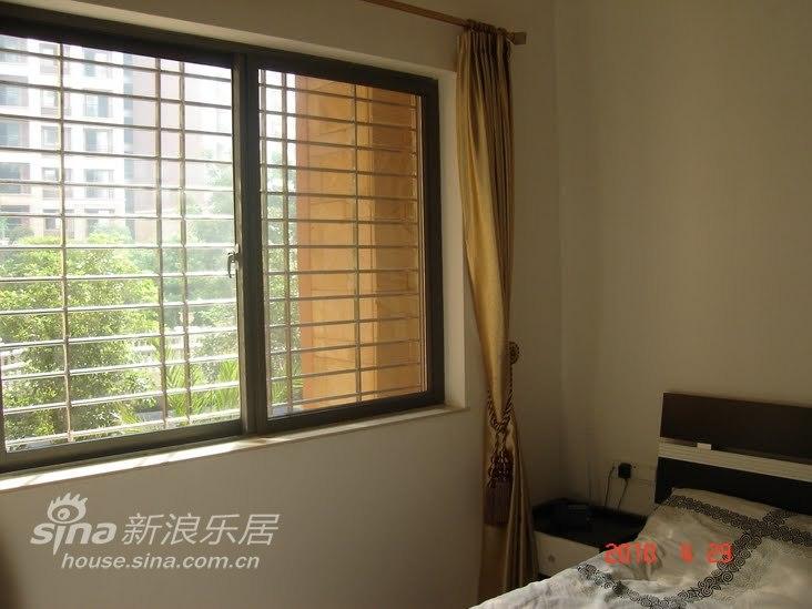 简约 一居 卧室图片来自用户2739378857在新居装好了,贴图回馈新浪的朋友(第一季)59的分享