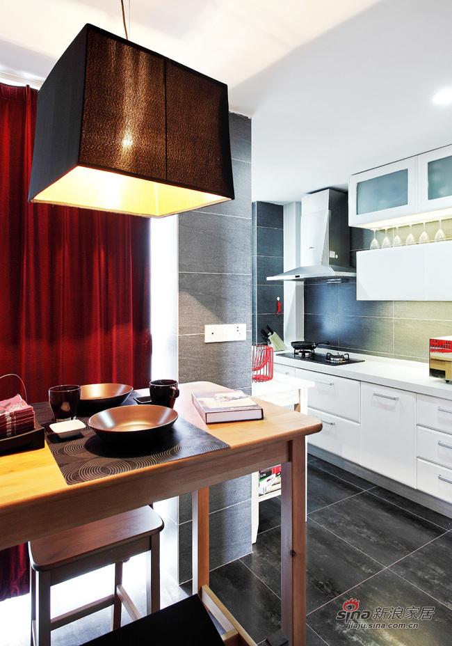 现代 二居 餐厅图片来自佰辰生活装饰在16万营造69平黑白时尚两居室62的分享
