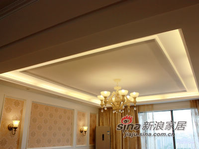 欧式 三居 客厅图片来自用户2772856065在150平格调三居90的分享