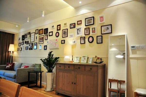 宜家风格的照片墙