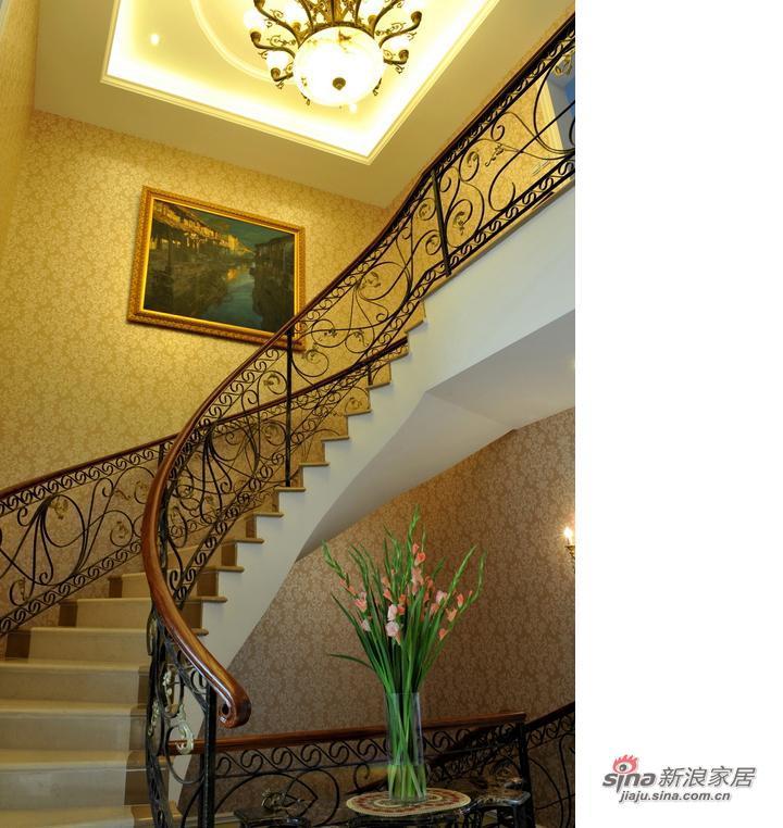 混搭 别墅 楼梯图片来自用户1907689327在东方普罗旺斯300平混搭无限风54的分享