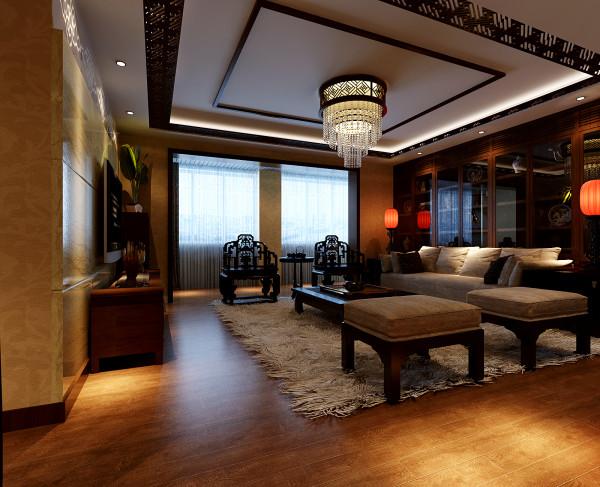 运用中式格调的实木雕花吊顶与实木线,结合水晶造型的吊灯打造整体吊顶,厚重的石材干挂手法结合咖啡色的印花玻璃打造的整体电视背景墙体现现代中式的特点;实木饰品装饰柜内展示青花瓷饰品,整体家具运用的是现代的实木沙发与明清样式的椅子,以及黑胡桃的整体定制柜子的运用使空间的整体性完美体现。