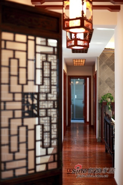 中式 二居 阳台图片来自用户1907658205在中式家迎新年打造红火年味44的分享