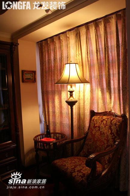 欧式 三居 书房图片来自用户2746948411在欧洲古典主义风格--依云小镇19的分享