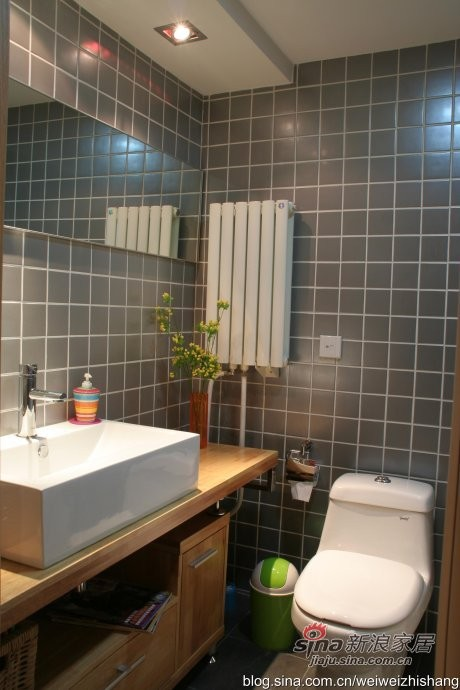 卫生间的设计重点是墙砖的规格和颜色的搭配