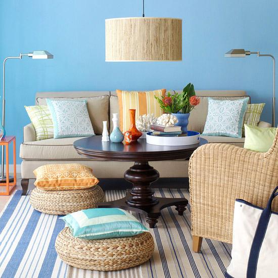 客厅 蓝色 沙发图片来自用户2772840321在22款个性客厅 美丽家装迎接美丽的春天的分享