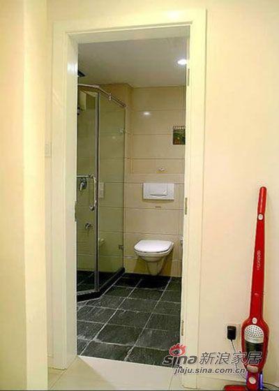 简约 二居 卫生间图片来自用户2559456651在狮子男完美变身86平经济适用房14的分享