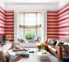 红色条纹墙纸