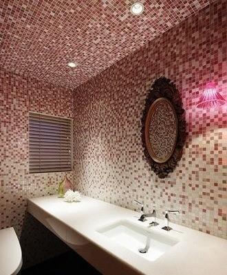 马赛克装点的浴室最有感觉