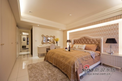 主臥房擁有方正的格局及充裕的明亮採光。