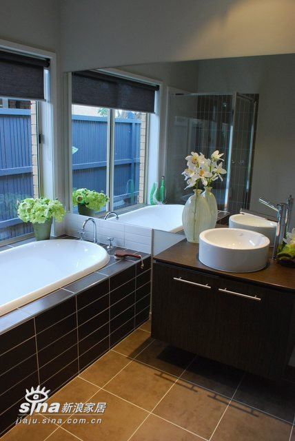 简约 别墅 卫生间图片来自用户2738820801在装饰以绿色为主,很清新25的分享