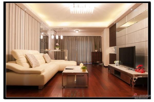 客厅整体实景图