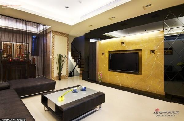客厅电视柜采菱形切割黑镜建构基底