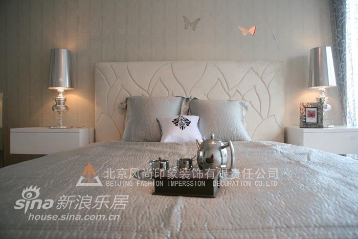 简约 三居 卧室图片来自用户2556216825在凤凰漫舞75的分享
