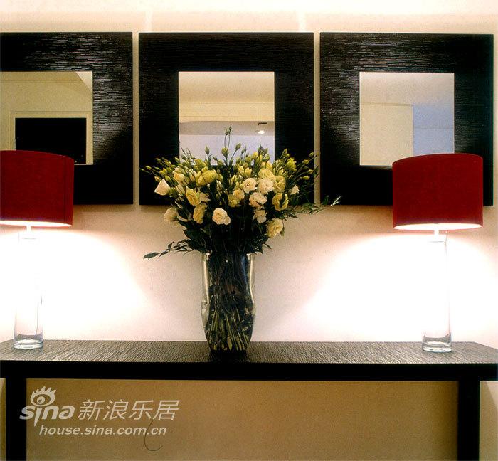 简约 一居 玄关图片来自用户2559456651在金都杭城现代一居58的分享