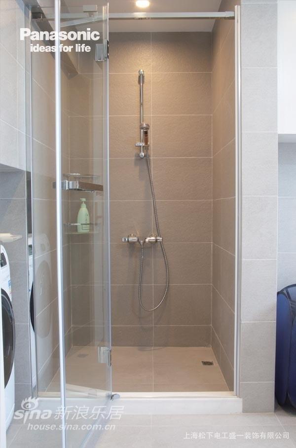 卫浴间的瓷砖也是精心挑选的