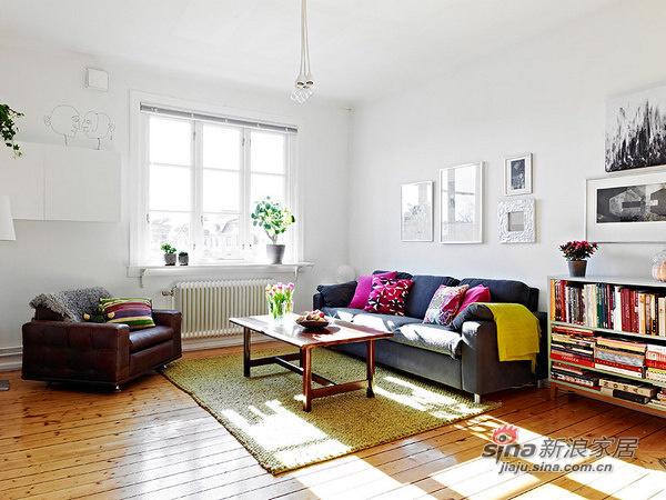 简约 二居 客厅图片来自用户2737782783在69平米的白木森林简洁公寓82的分享