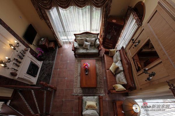 俯看-客厅实景图