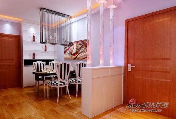 小隔墙将餐厅隔开,是整个房间更具特色