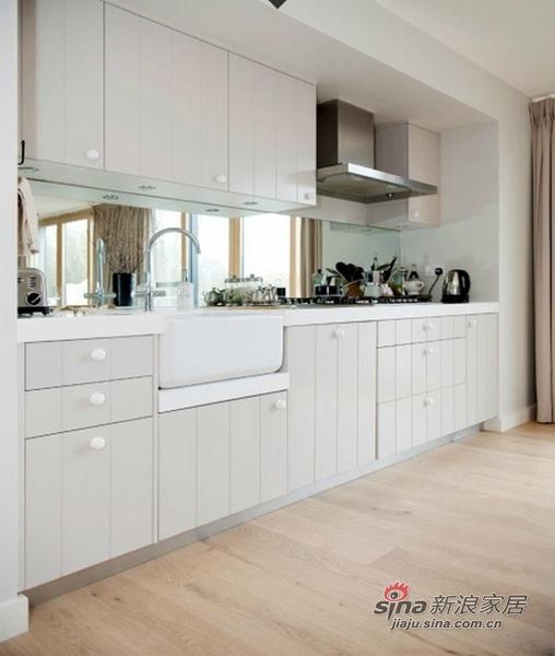 新古典 别墅 厨房图片来自用户1907701233在309平米新古典低碳湖畔大宅61的分享