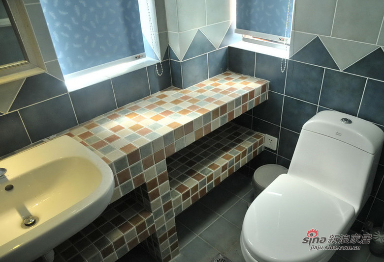 美式 二居 卫生间图片来自用户1907686233在【高清】11万营造88平美式休闲两居室33的分享