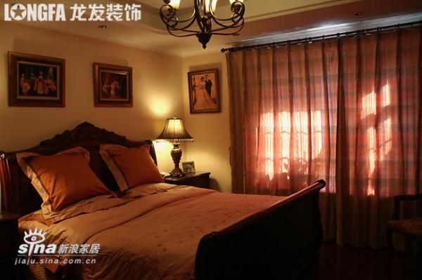 欧式 三居 卧室图片来自用户2746948411在欧洲古典主义风格--依云小镇19的分享