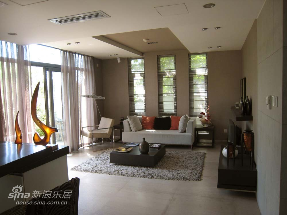 简约 一居 客厅图片来自用户2556216825在实景VS效果图25的分享